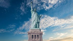 statue-of-liberty-2114376_1920